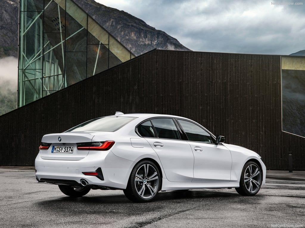 BMW-3-Series-2019-1024-1a