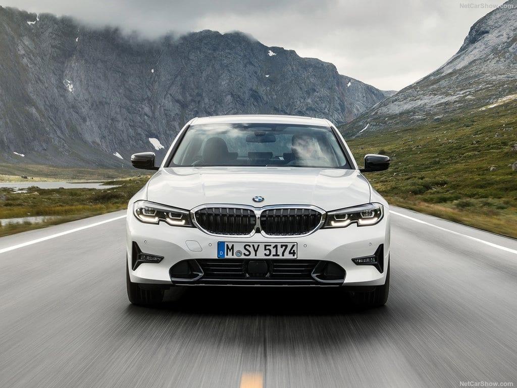 BMW-3-Series-2019-1024-2d