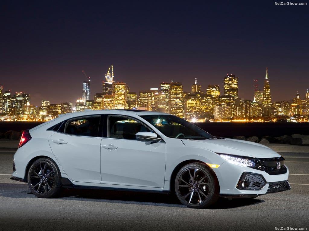 Honda-Civic_Hatchback-2017-1024-03