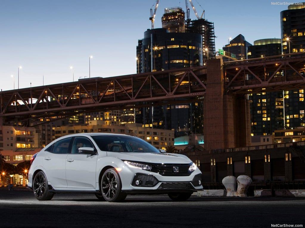 Honda-Civic_Hatchback-2017-1024-04