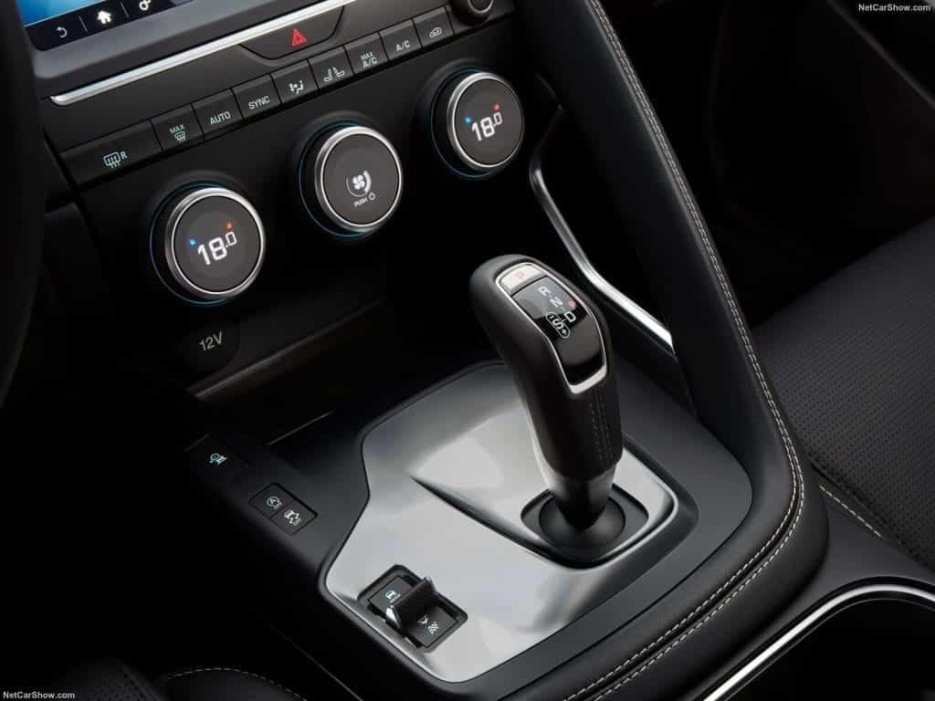 Jaguar-E-Pace-2018-1600-94