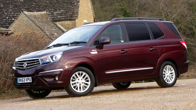 ssangyong-rodius-new-Side
