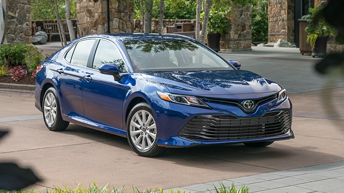 toyota-camry-hybrid-new-Front