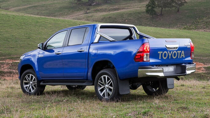 toyota-hilux-new-Side