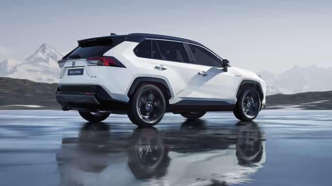 toyota-rav4-hybrid-new-Rear