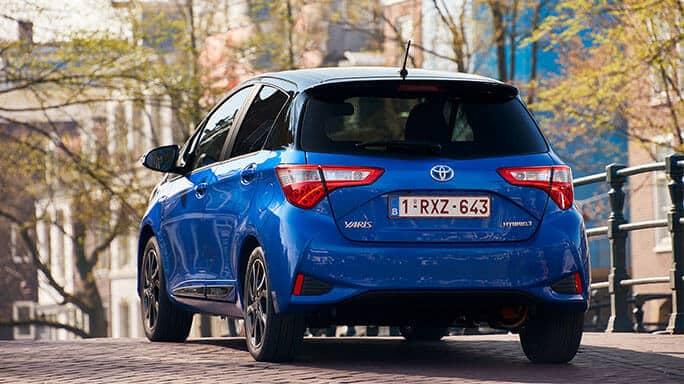 toyota-yaris-hybrid-new-Rear